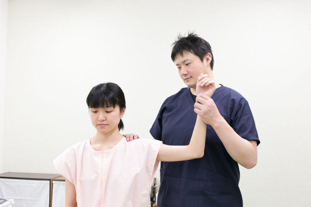 肩の動きの検査